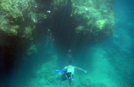 Tunnels Beach Cool Underwater Terrain