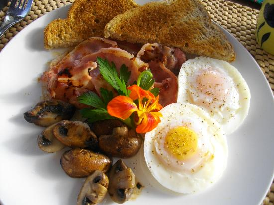 Warkworth Country Retreat: A delicious breakfast to last all day