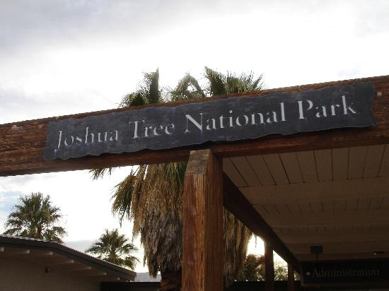 Cottonwood Visitor Center : Sign at Entrance