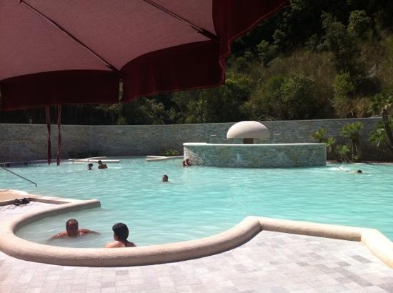Complesso termale vescine castelforte italie voir les - Suio terme piscine ...