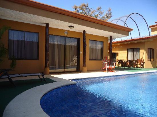 Casa Marin B&B: Next to the pool facing the Mermaid Cabina