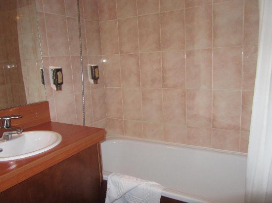 Hotel Nash Ville: bath