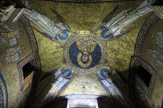 Basilica Di Santa Prassede : Mosaics at Santa Prassede