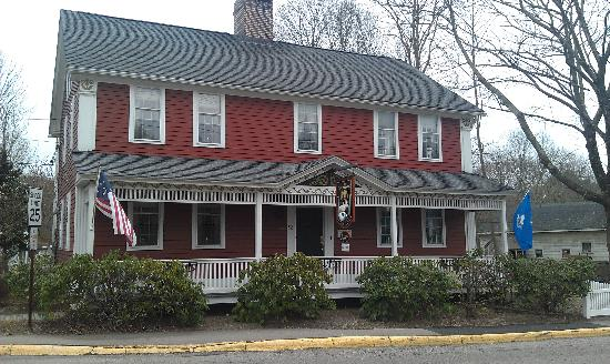 The Old Mystic Inn: View from Main Street