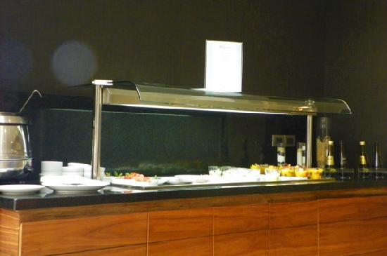 Hilton Garden Inn Santiago Airport: some lunch buffet items