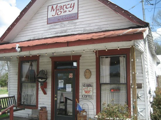 Columbia, TN: Marcy Jo Mealhouse