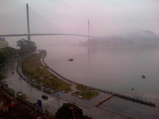 Van Hai Hotel : 窓の外の景色は良い