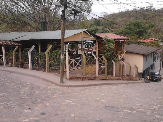 Asados Copan : front of the restaurant