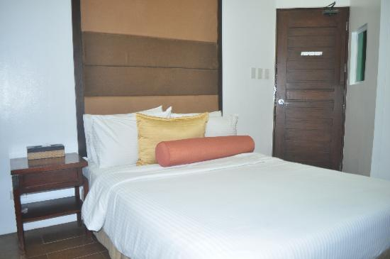 Acuatico Beach Resort & Hotel: master bedroom 2nd floor
