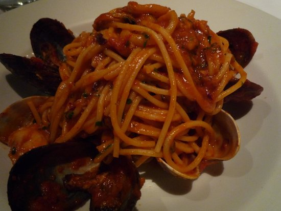 Gina Restaurant: 1 of the best seafood pastas I have ever had @ gina