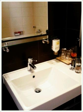 Hotel Dras: Bathroom
