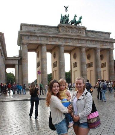 Explore Berlin Tours: Brandenburg Tor
