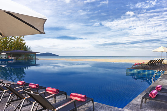 Century Langkasuka Resort: Outdoor Infinity Swimming Pool