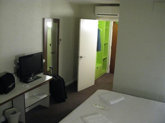 Campanile Bradford Room