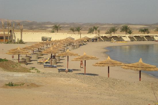 Hotel Coral Sun Beach Resort: Spiaggia - parte sinistra