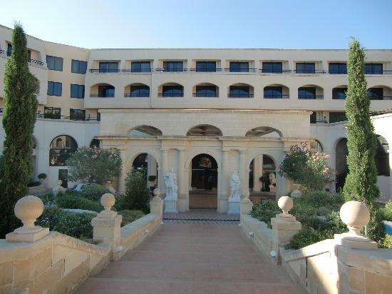 Excelsior Grand Hotel: Entrada principal