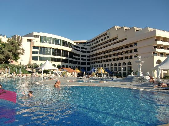 Excelsior Grand Hotel: Vista desde la piscina