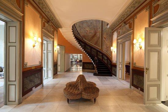 Sandton Grand Hotel Reylof: Lobby