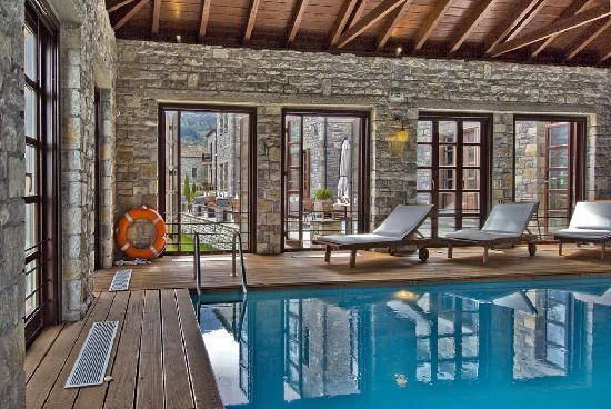 Aristi, Yunani: swimming pool