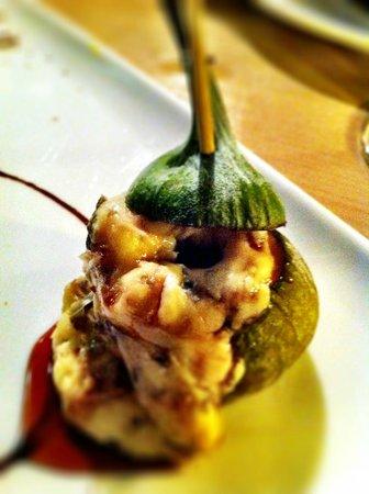 La Oliva : Hot figs and rockfort cheese - delicious tapa!