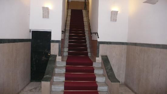 Lirico Hotel: entrance