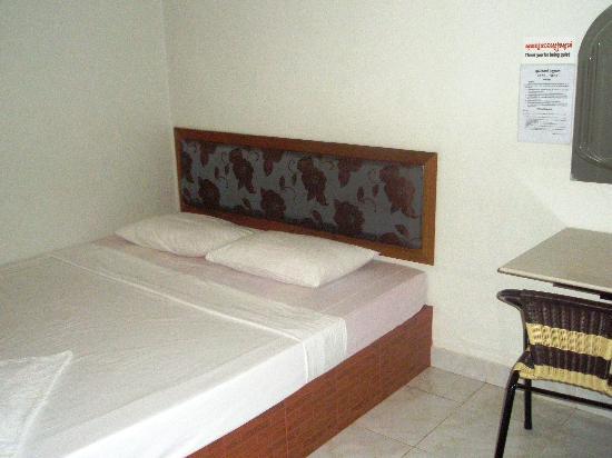 Zana House: The big bedroom 2