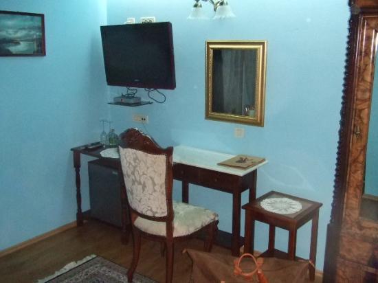 Hotel Pasike: tv set