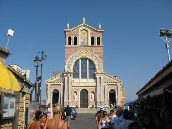 Sanctuary of the Madonna di Tindari : L'ingresso del Santuario di Tindari