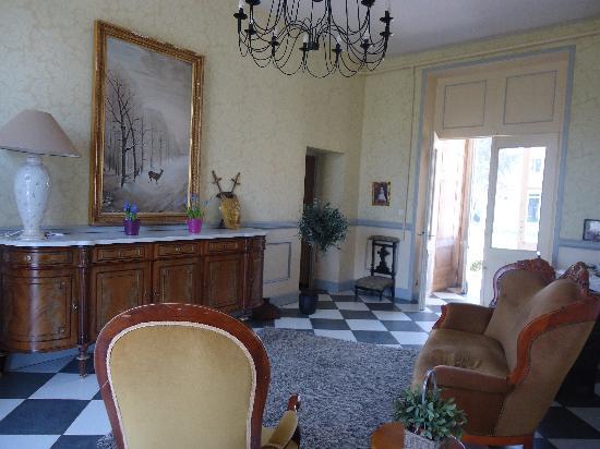 Chateau de Matel: Hall d'entrée du chateau
