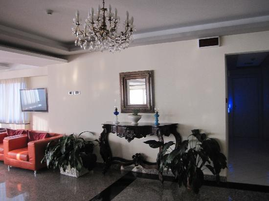 Hotel Cosmomare: hall