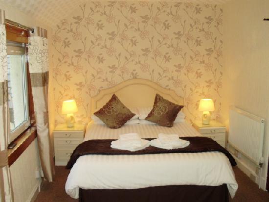Carrmoor Guest House: Double Bedroom En-suite