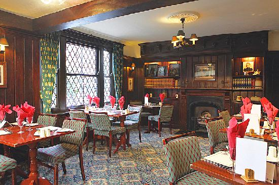 Best Western Plus Old Tollgate Hotel: The Dining Room