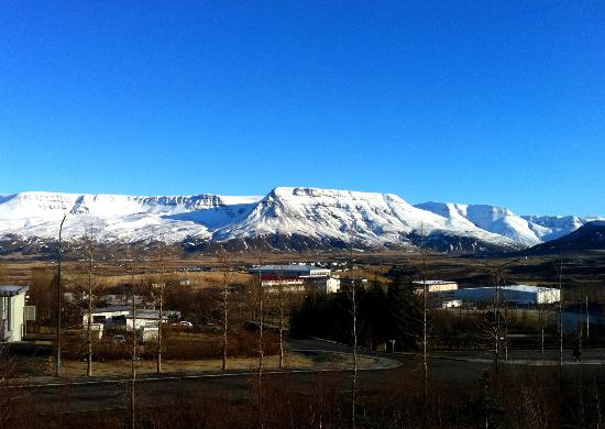Mosfellsbaer, Islandia: View from our bedroom window