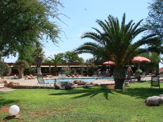 Kalahari Anib Lodge: Pool