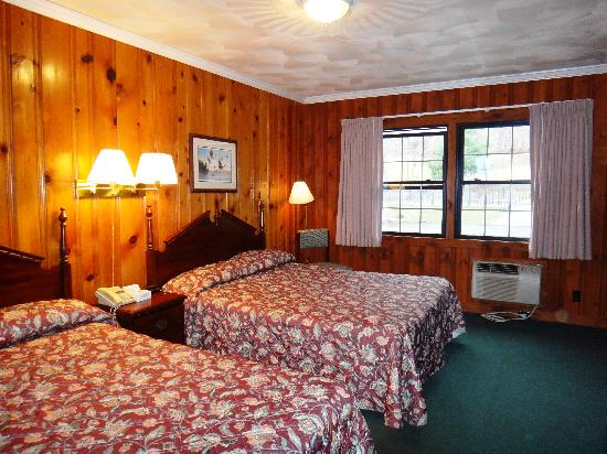 The North Woods Inn: Mountainside Double Room