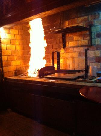 La Cave de Bigoudy : check out the grill