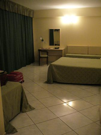 King's House Hotel Resort : interno camera
