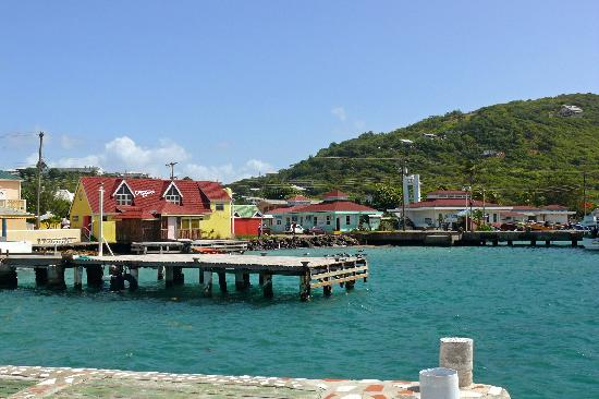Lambi's Guest House: view from the pier