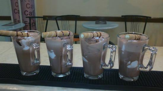 Baladina Cafe: hot chocolate sunday