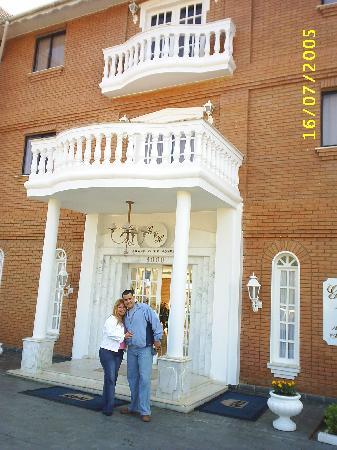 Grand Villa Hotel: the entrance