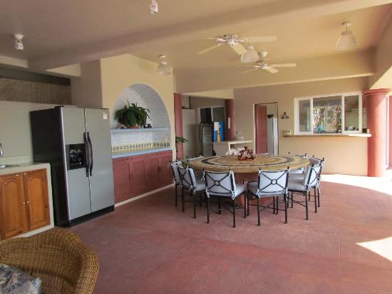 Villa Sol y Mar: comedor de la casa