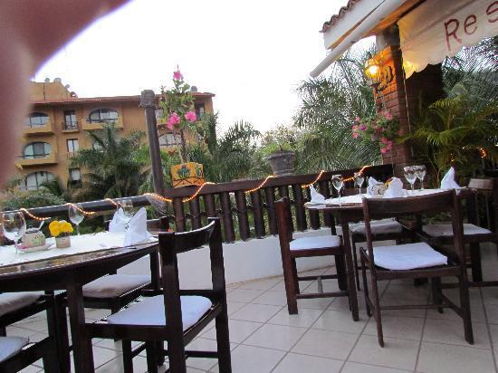 Viena Huatulco: terraza del restaurante