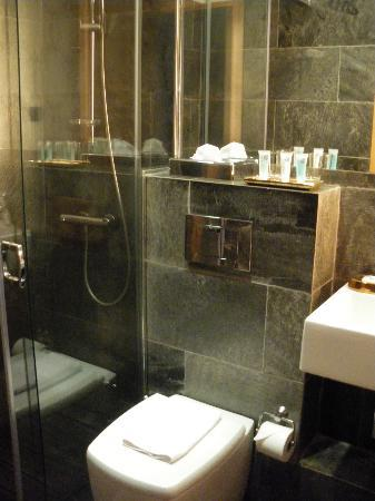 Boutique Bed and Breakfast : Bathroom