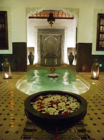 Riad Charme d'Orient: bain en février sans chauffage mais après un hammam
