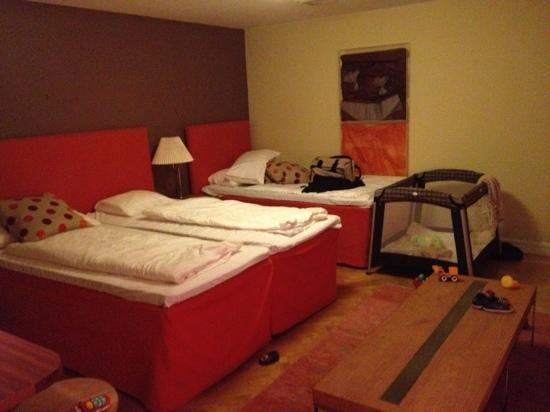 Hotel Duxiana: room 427. Big, clean, perfect for family!