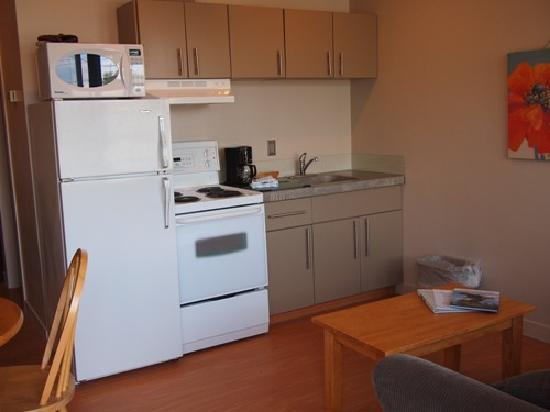 West Coast Motel on the Harbour: Deluxe Kitchen Suite