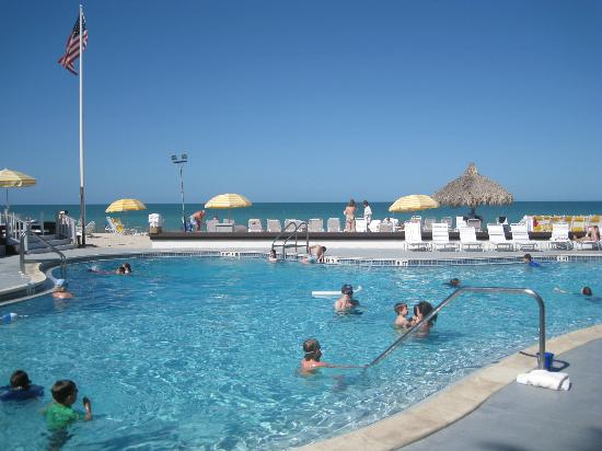 Gasparilla Inn & Club: Pool at the Beach House