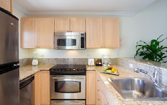 Alexandra Resort: One Bedroom Kitchen