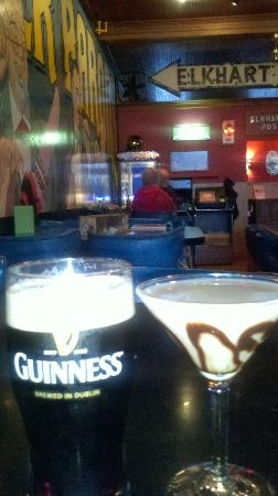 Lake Street Cafe: Guiness and a Chocolate Martini