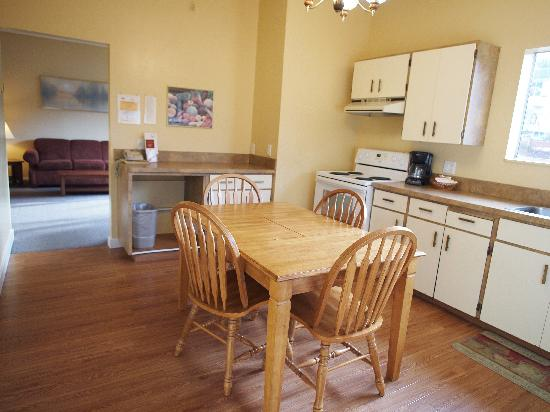 West Coast Motel on the Harbour : 4 Bedroom House Rental-Book by phone